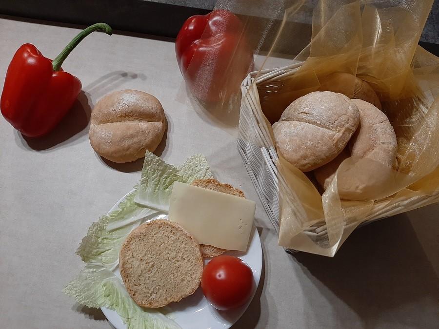 Bułki pszenne (drożdże świeże)
