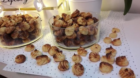Litewskie ciasteczka z ciasta parzonego