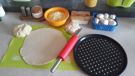 Przygotowanie pizzy