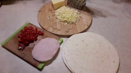 Roladki z placków tortilli