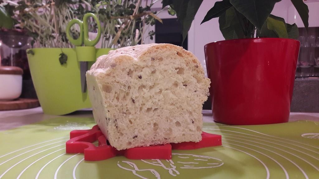 Chleb pszenno-razowy (zwarty)