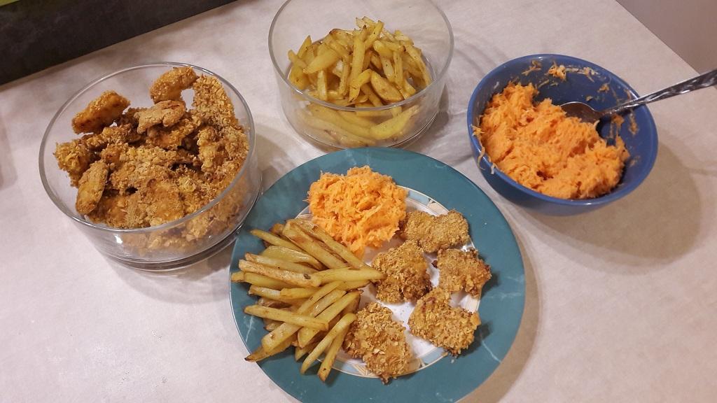 Nuggetsy z piekarnika w płatkach kukurydzianych