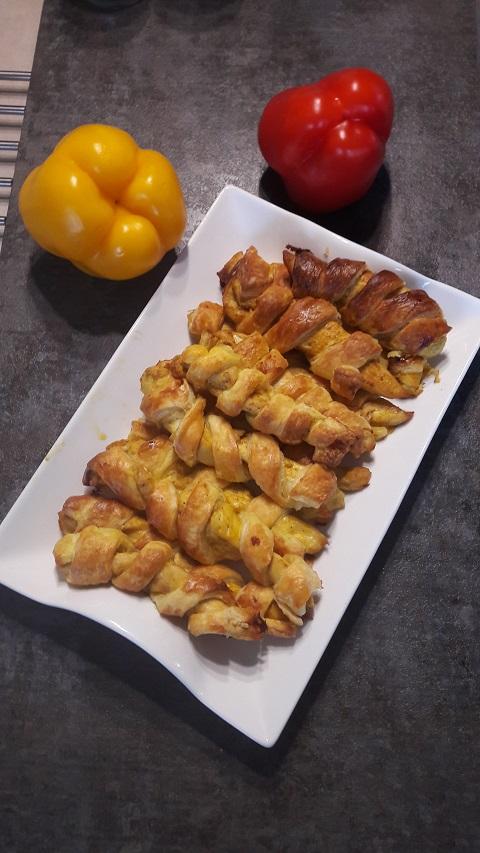 Paluszki z kurczaka w cieście francuskim