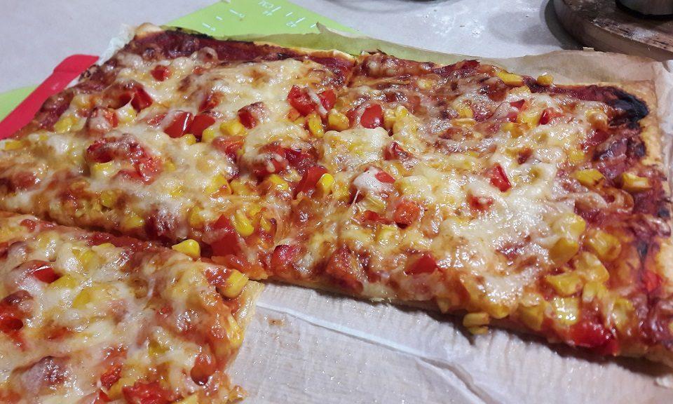 Pizzerinka maxi na cieście francuskim