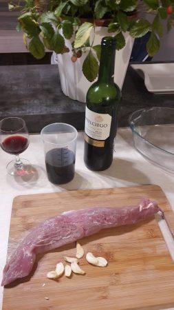 Polędwiczka wieprzowa w marynacie z wina