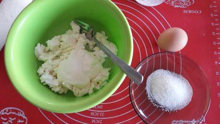 Rogaliki z serem i nutą cytrynową