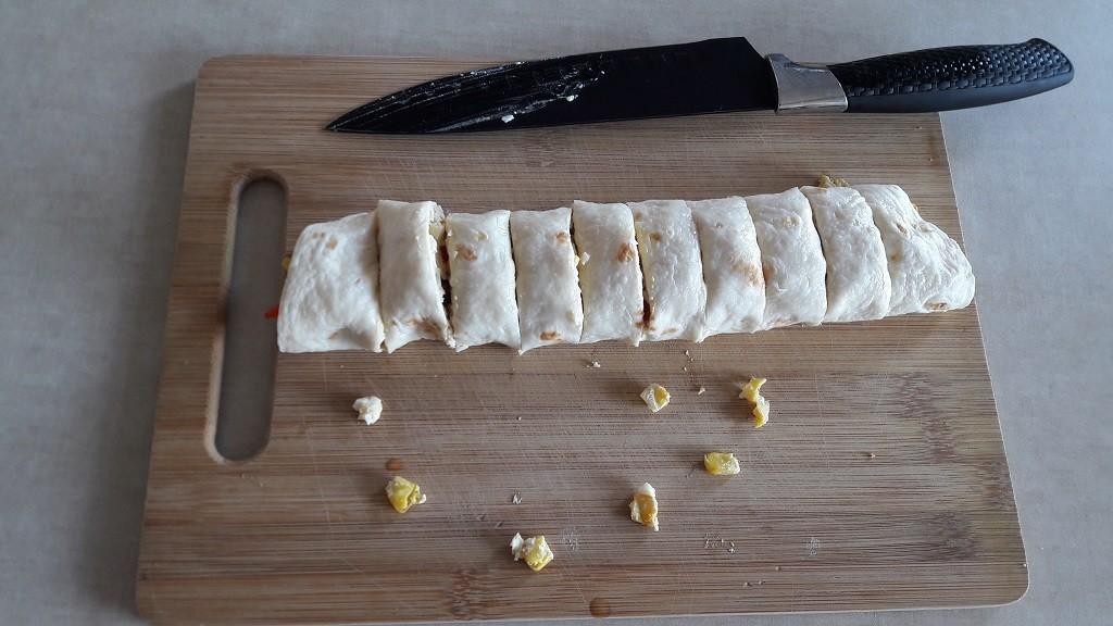 Roladki z tortilli z pastą jajeczną