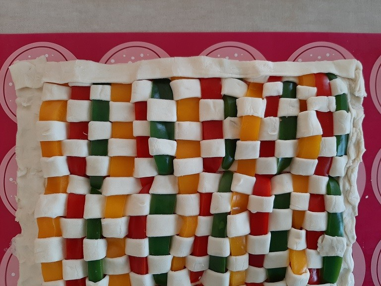 Zapiekanka mozaika z mięsem mielonym