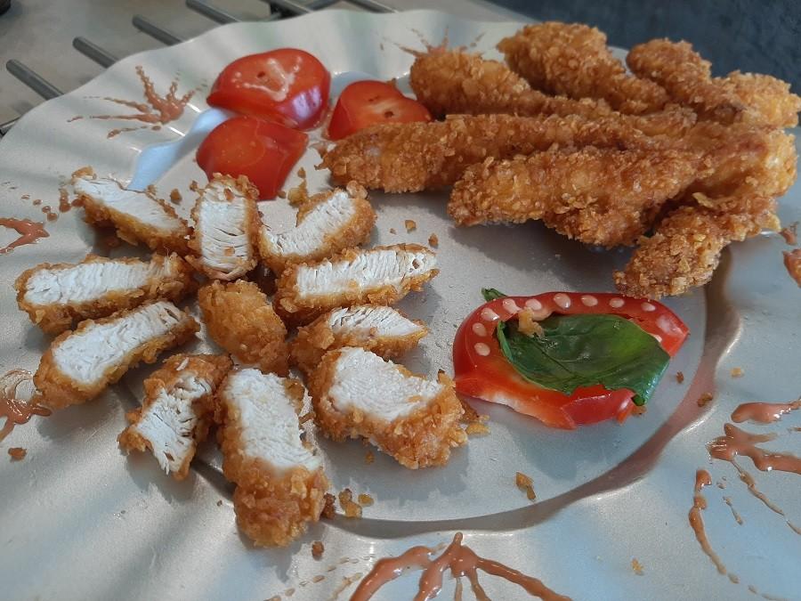 Panierowana pierś z kurczaka w kształcie ośmiornicy