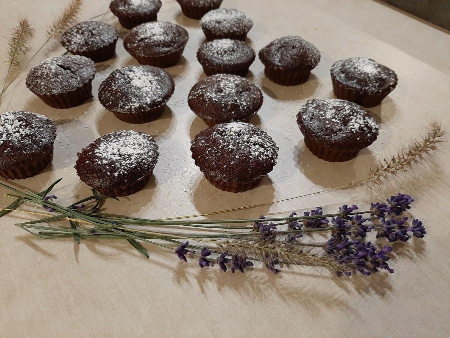 Wilgotne muffinki czekoladowe z cukinią
