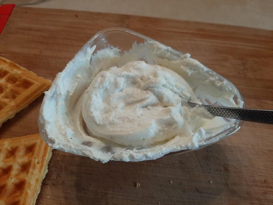 Serek chrzanowy z jogurtu naturalnego