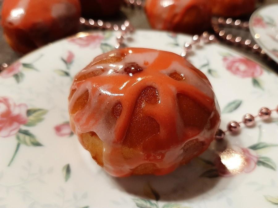 Lukrowane pączki z marmoladą