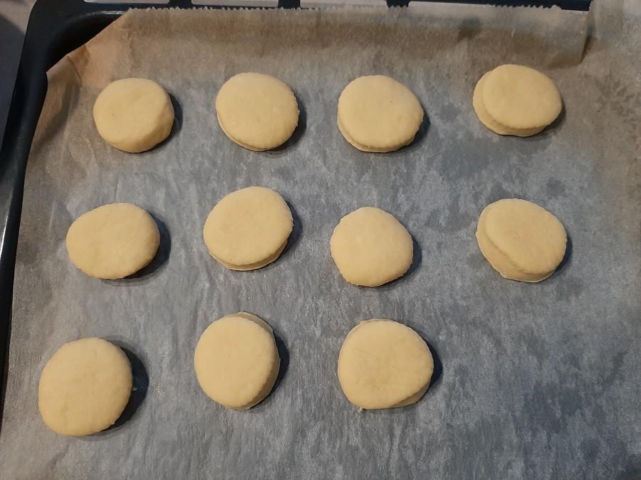 Mini pączki z dodatkiem mąki kukurydzianej