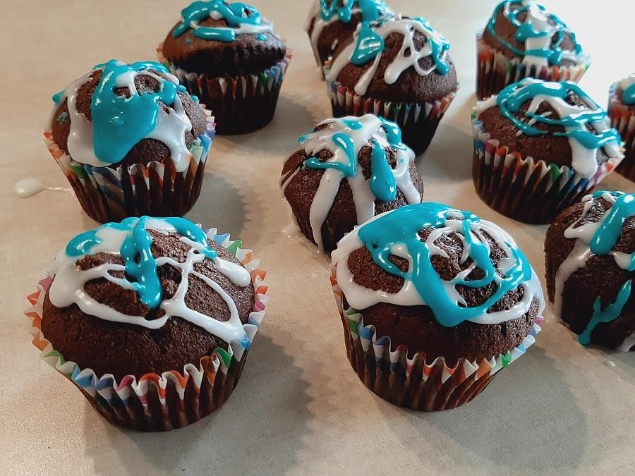 Muffinki czekoladowe z lukrem cytrynowym