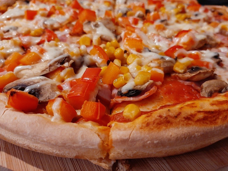 Szybki sos na ciasto do pizzy
