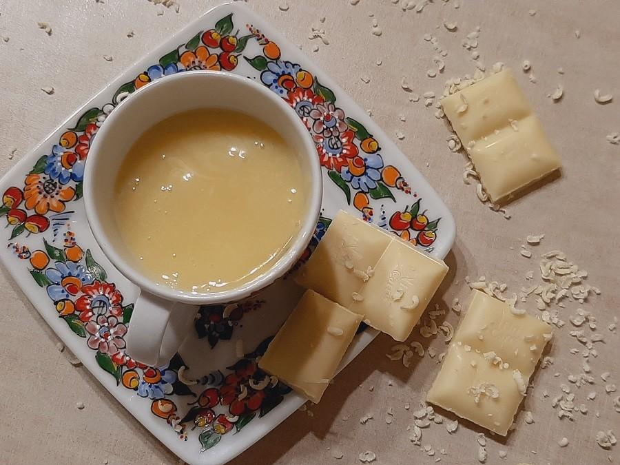 Polewa z białej czekolady