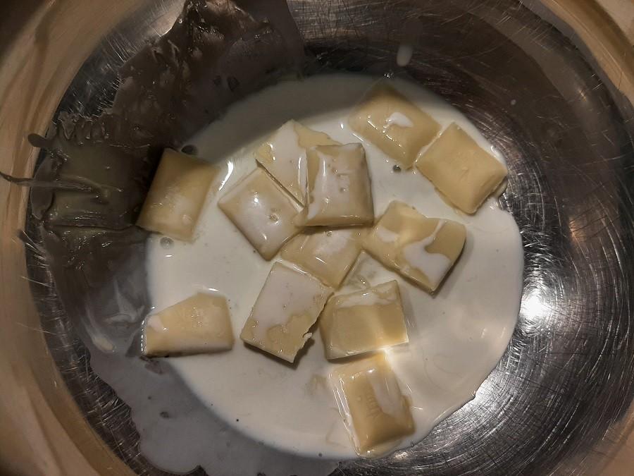 Rogaliki z makiem i białą czekoladą