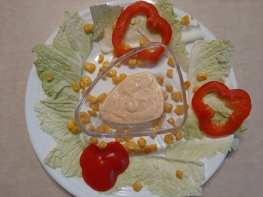 Sos jogurtowo-musztardowy do sałatek
