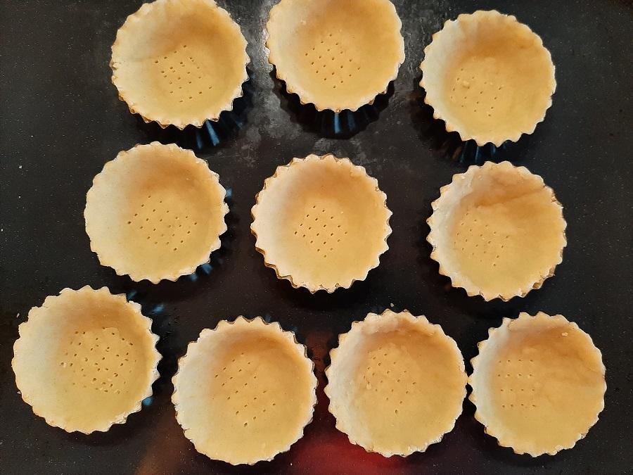 Kruche babeczki z mąki krupczatki (spody)