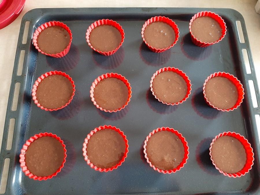 Muffinki czekoladowe z nadzieniem miętowym