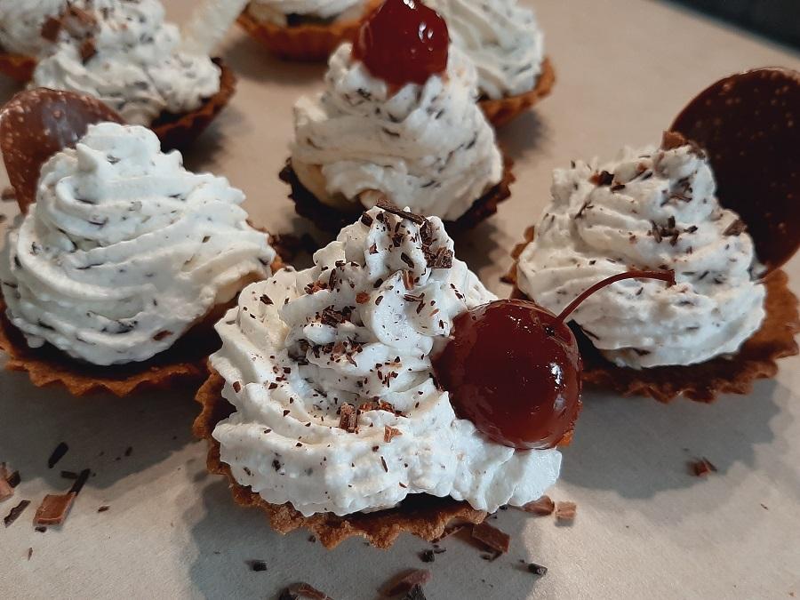 Krem straciatella do babeczek, tortów i deserów