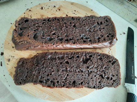 Szybkie ciasto czekoladowe na śmietanie
