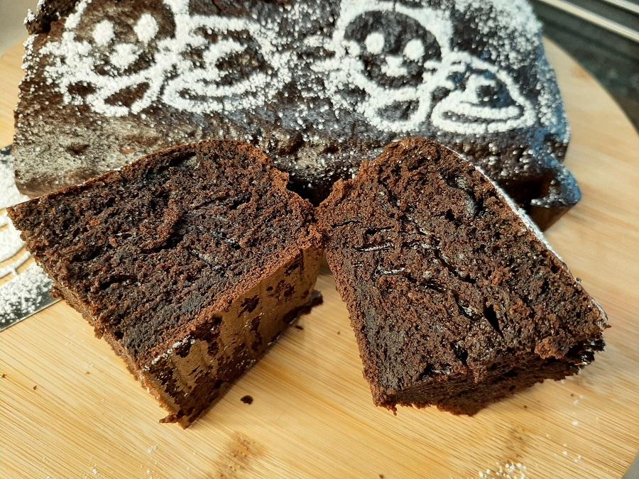 Szybkie i wilgotne ciasto czekoladowe