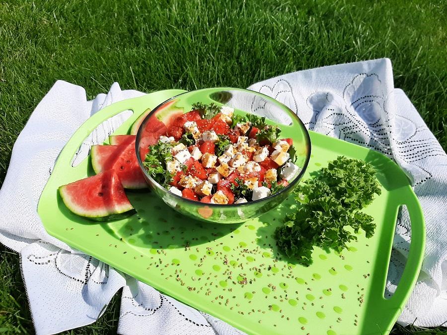 Sałatka z arbuzem i jarmużem