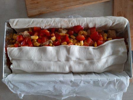 Zapiekanka gyros z kurczaka w cieście francuskim