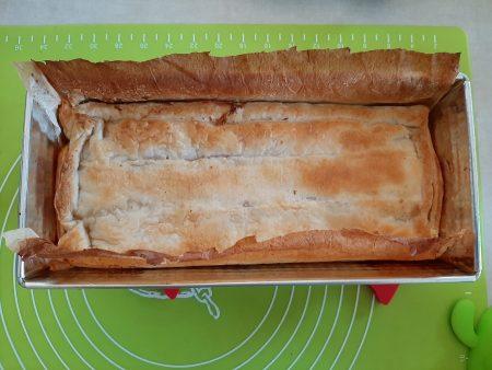 Zapiekanka z mięsem mielonym w cieście francuskim